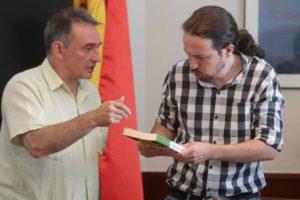 Enrique Santiago y Pablo Iglesias