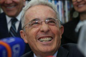 FAI demanda retirada premio Cortes de Cádiz Alvaro Uribe