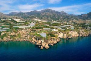 Los intereses económicos en el espacio natural de Nerja y Maro