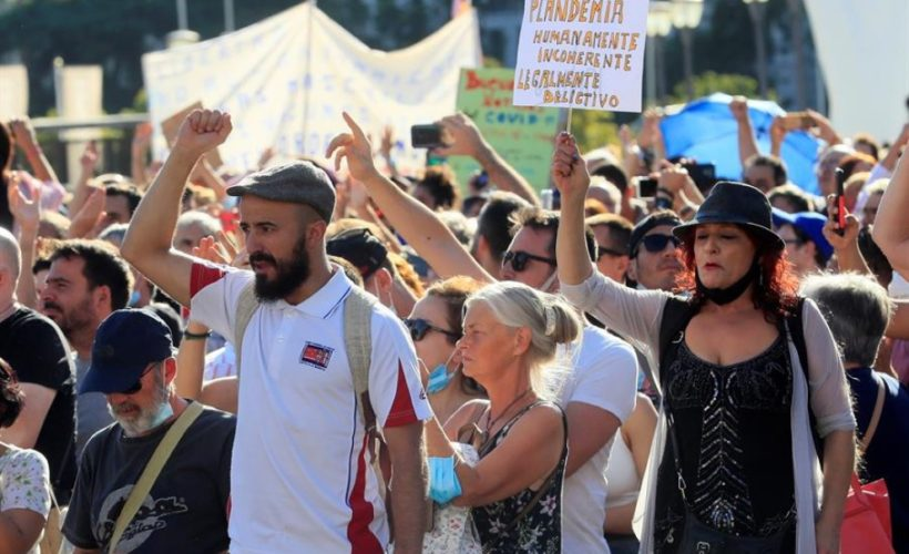 Negacionistas en Madrid
