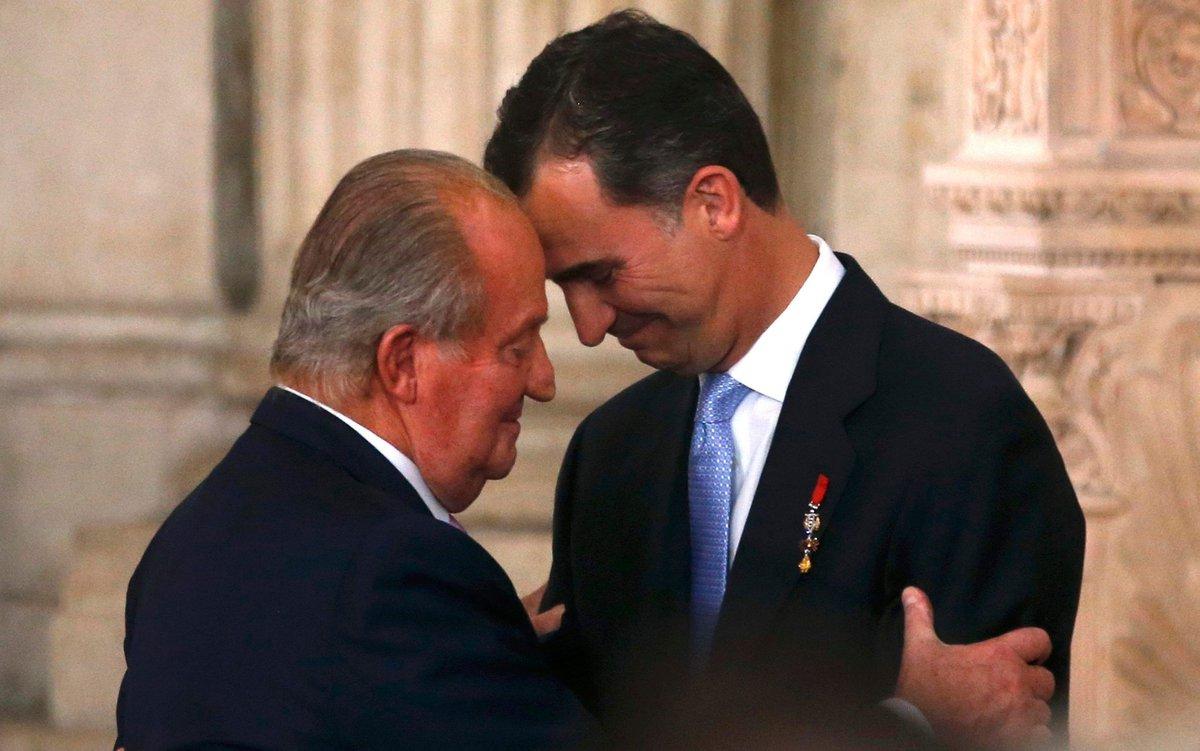Saludo entre Juan Carlos y Felipe VI