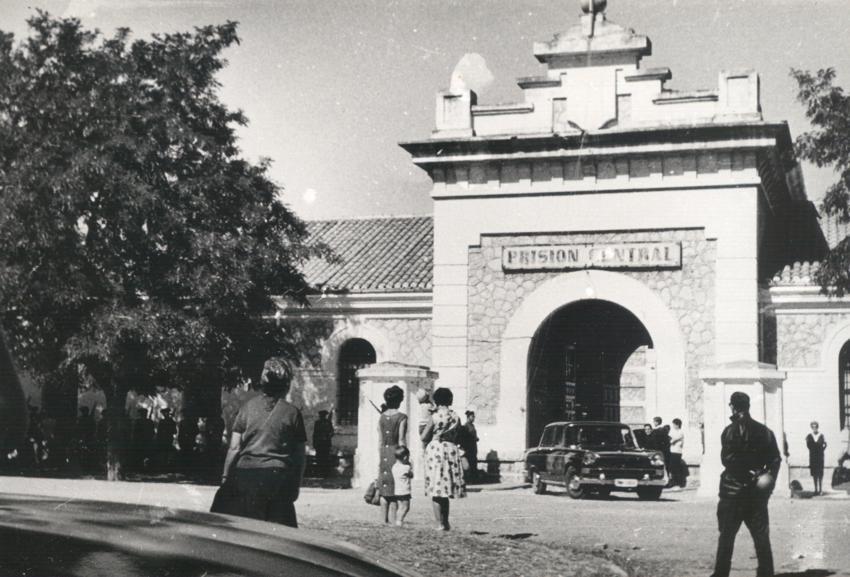 Puerta del Penal de Burgos.