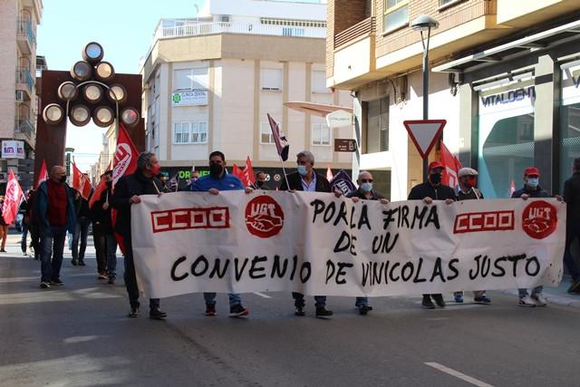 """""""Los trabajadores del sector vinícola por un convenio colectivo justo"""""""