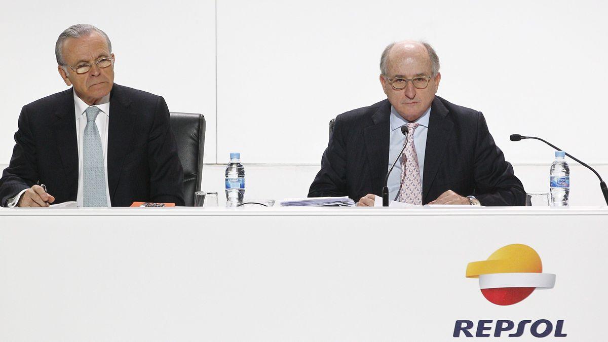 Fainé y Brufau, durante una junta de accionistas de Repsol. Ahora imputados por cohecho activo.