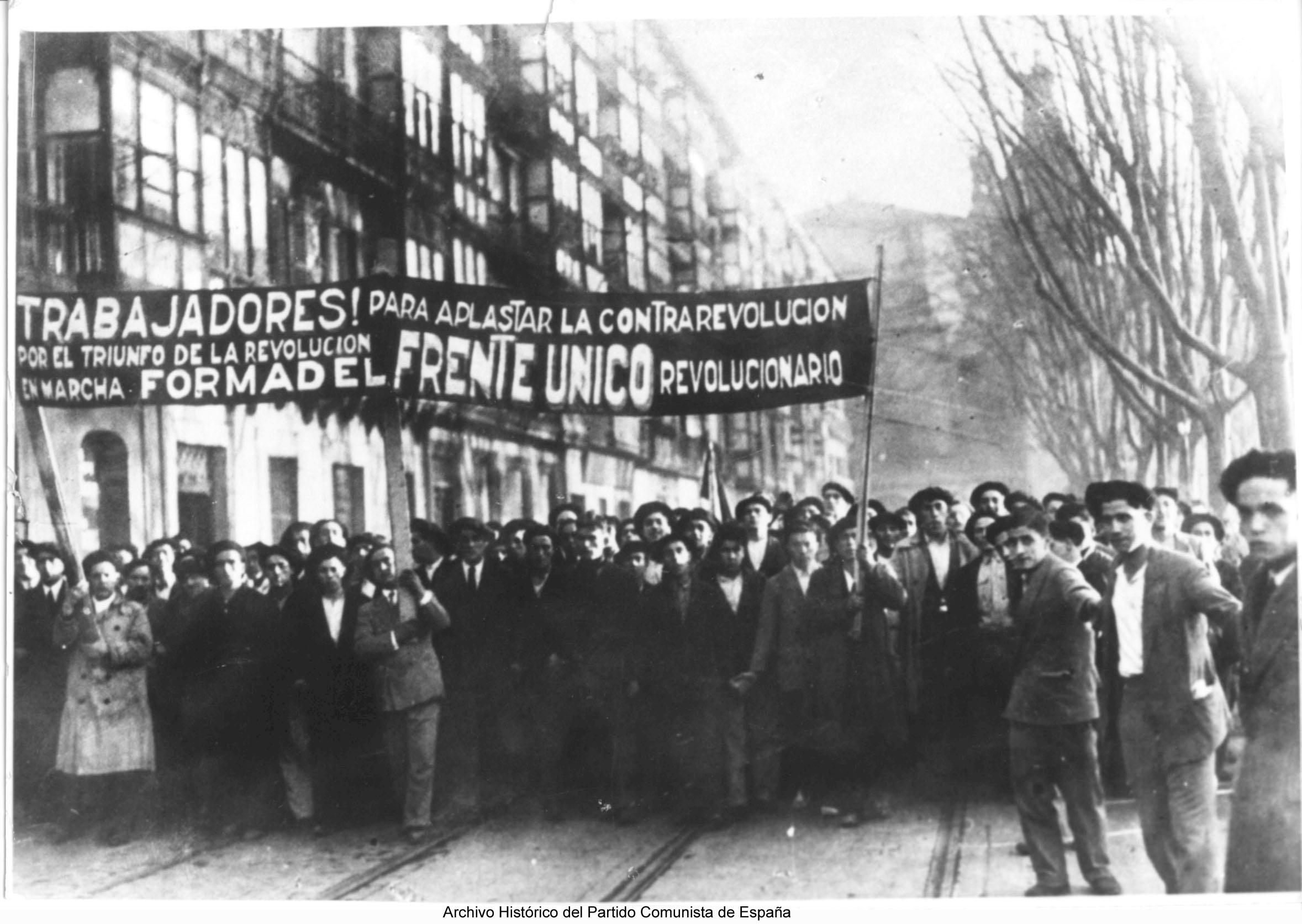 Por el Frente Único Revolucionario.