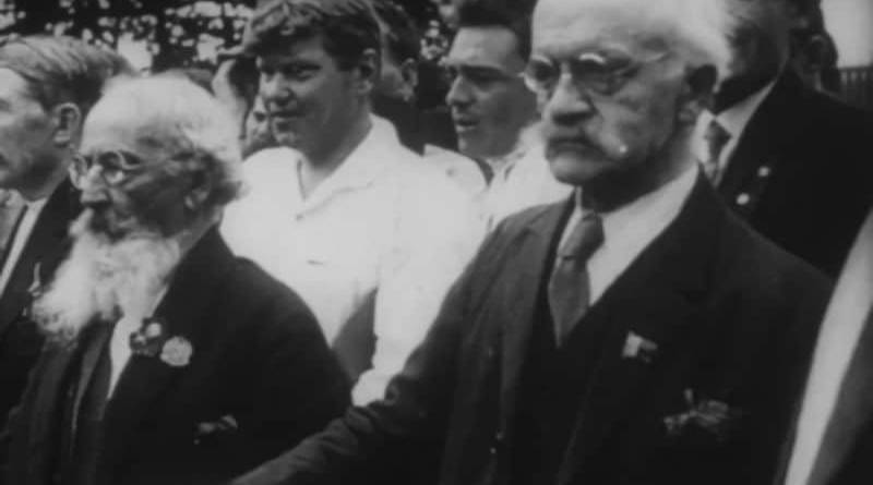 Degeyter en Moscú 1928. Fuente: France Culture