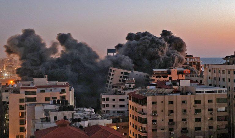 """""""Bombardeo en la zona residencial en Gaza por la aviación del ejercito israeli"""""""