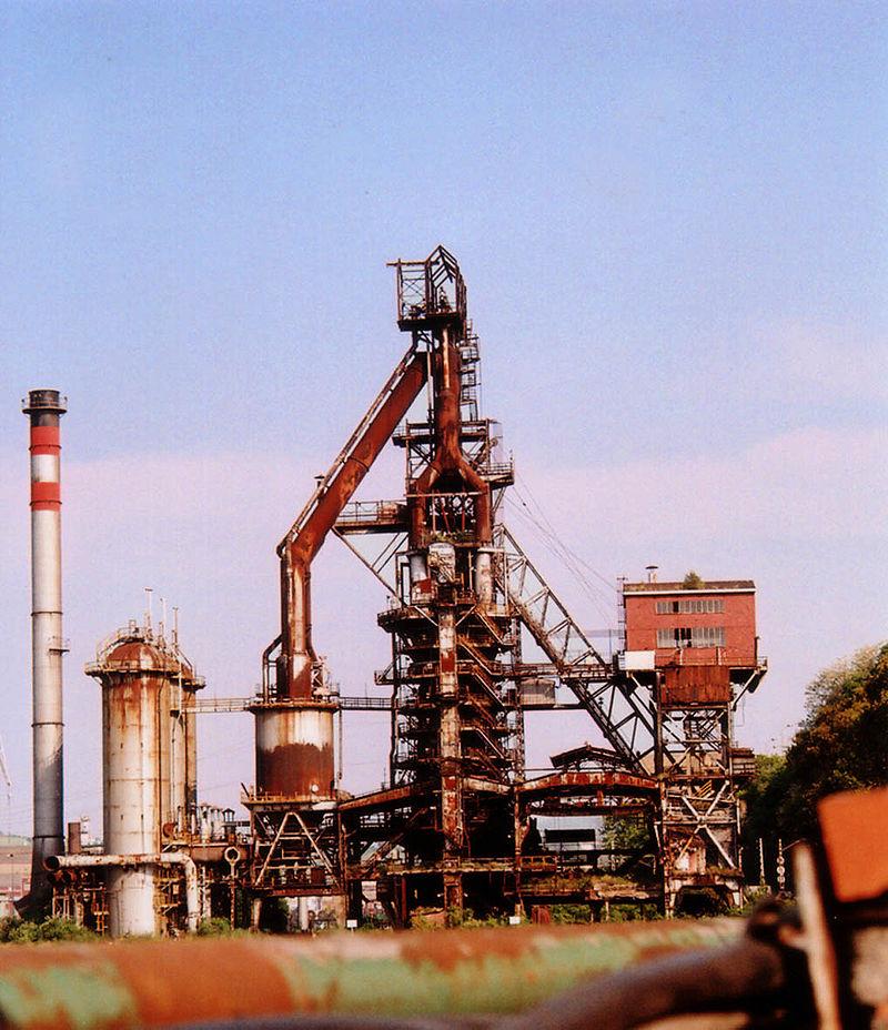 Antiguo alto horno de Sestao en el País Vasco conservado como monumento. Perteneció a Altos Hornos de Vizcaya, la que durante mucho tiempo fue la mayor empresa del país. Fuente Wikipedia