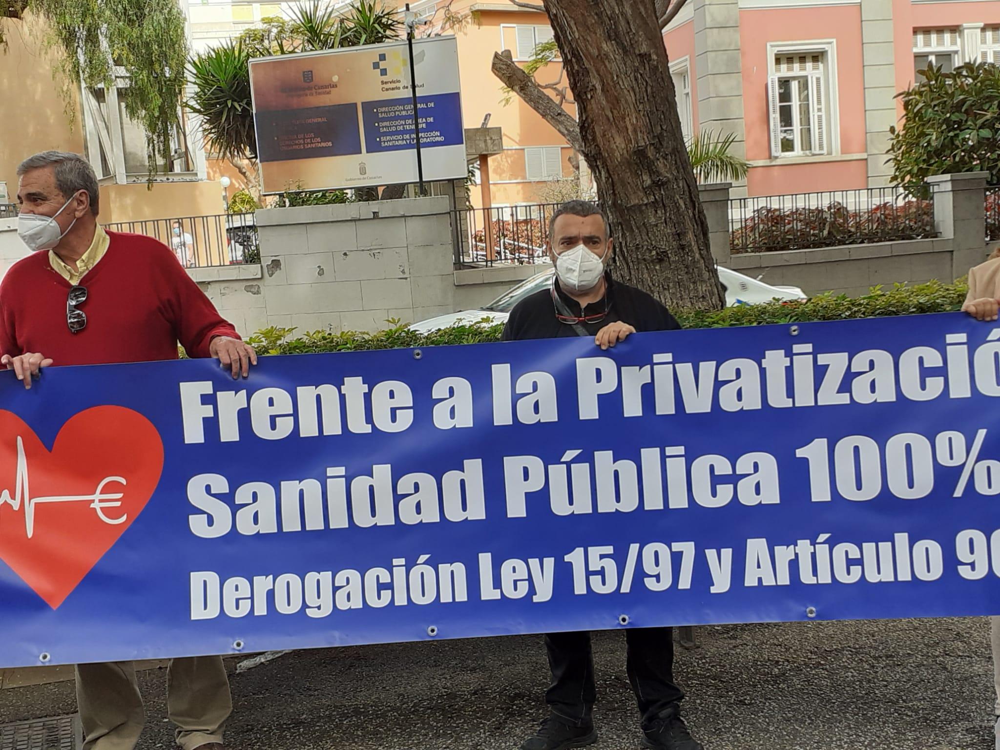 Rueda de prensa delante de la Consejería de Sanidad de Canariasv25/02/2021 Fuente propia
