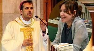 """""""El obispo de Solsona y su prometida la escritora Silvia Caballol"""". Fuente: Informalia. elEconomista.es 07.09.21"""